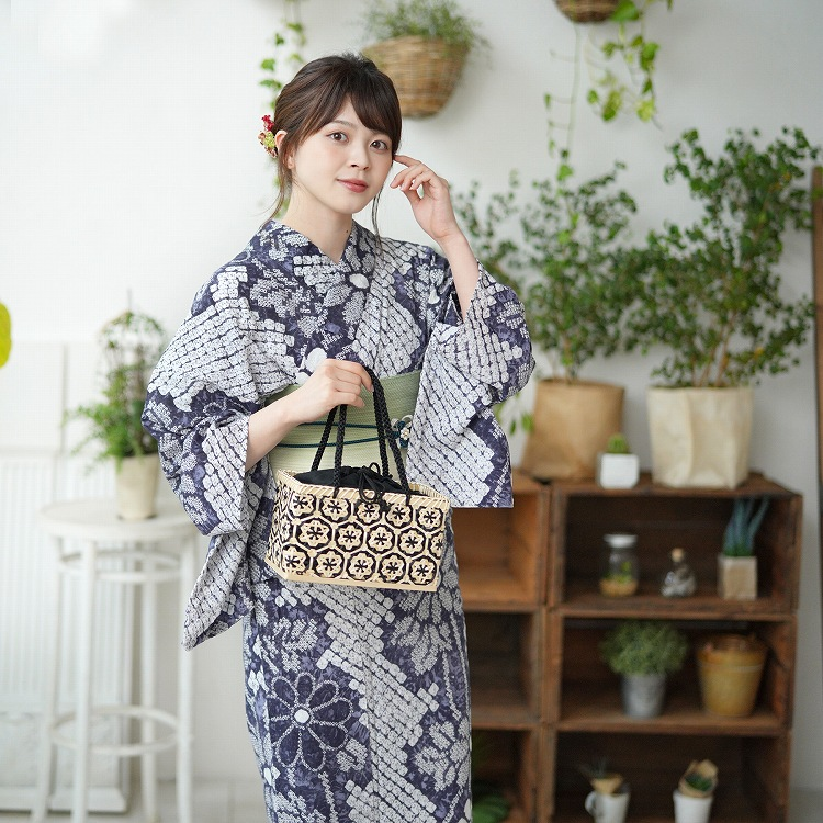 品番 5010179811 / 浴衣3点セット utatane 有松絞り 大人 綺麗 系 花 紺 系(画像)