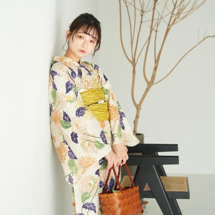 品番 5013025211 / 浴衣3点セット utatane 古典柄 レトロ アンティーク 系 菊 アイボリー 系(画像)