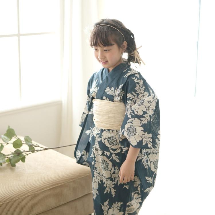 品番 6510187031 / utatane 女の子 浴衣3点セット(100cm)兵児帯 古典柄 レトロ アンティーク系 花 紺系(画像)