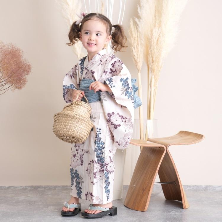 品番 6524188031 / utatane 女の子 浴衣3点セット(120cm)兵児帯 古典柄 レトロ アンティーク系 花 ベージュ系(画像)