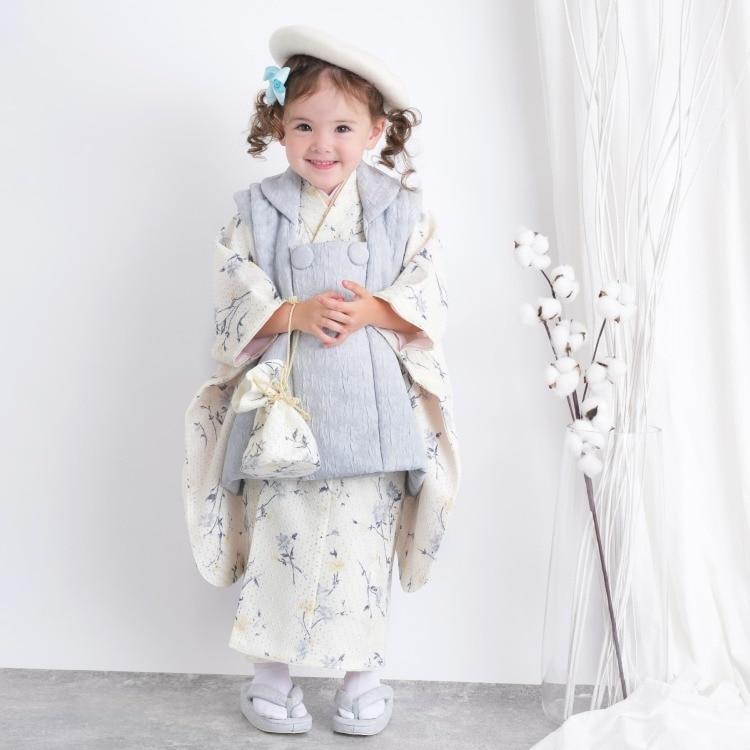 品番 6715611700 / utatane 女児(3歳)七五三 着物 被布セット 華やか 可愛い系 花柄 アイボリー系(画像)
