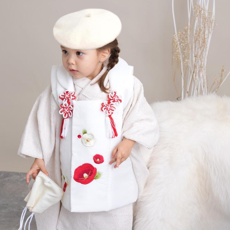品番 6715617700 / 女児(3歳)七五三 着物 被布セット 古典柄 レトロ アンティーク系 花 アイボリー系(画像)