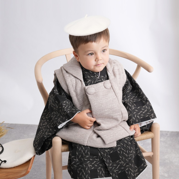 品番 6716600300 / utatane 男児(3歳)七五三 着物 被布セット レトロモダン 系 幾何学 黒系(画像)