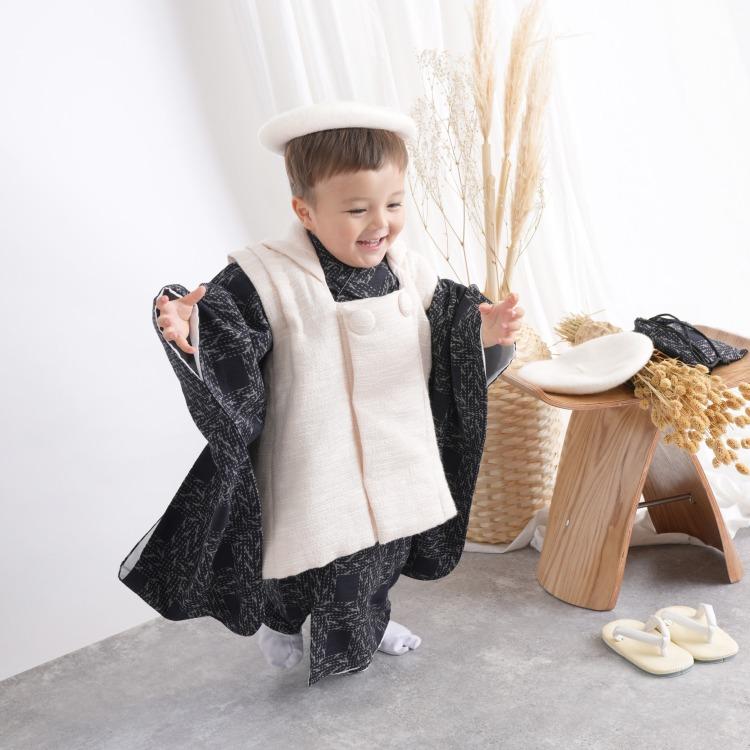 品番 6716600400 / utatane 男児(3歳)七五三 着物 被布セット レトロモダン 系 幾何学 紺系(画像)