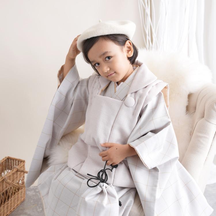 品番 6716601800 / utatane 男児(3歳)七五三 着物 被布セット 古典柄 レトロ アンティーク系 グレンチェック グレー系(画像)