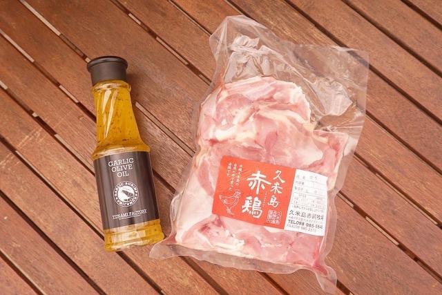 【ガーリックチキンセット】久米島産赤鶏モモ肉1kg +ガーリックオリーブオイル320g